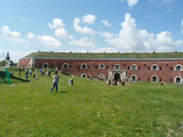 Нажмите на изображение для увеличения Название: Замосць - крепость.jpg Просмотров: 175 Размер:93.8 Кб ID:336
